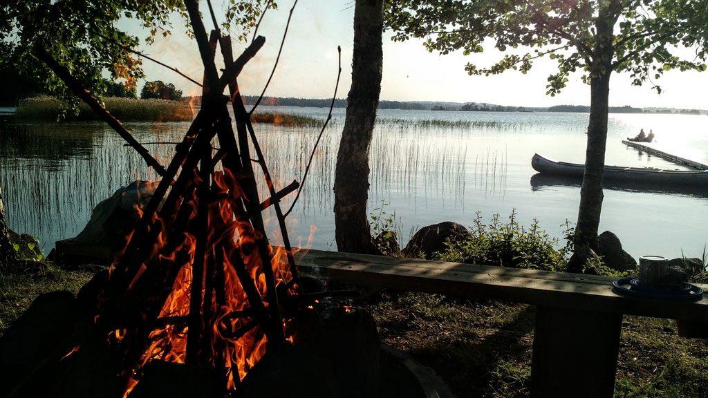 Åsnen - Lagerfeuer und Kanutour