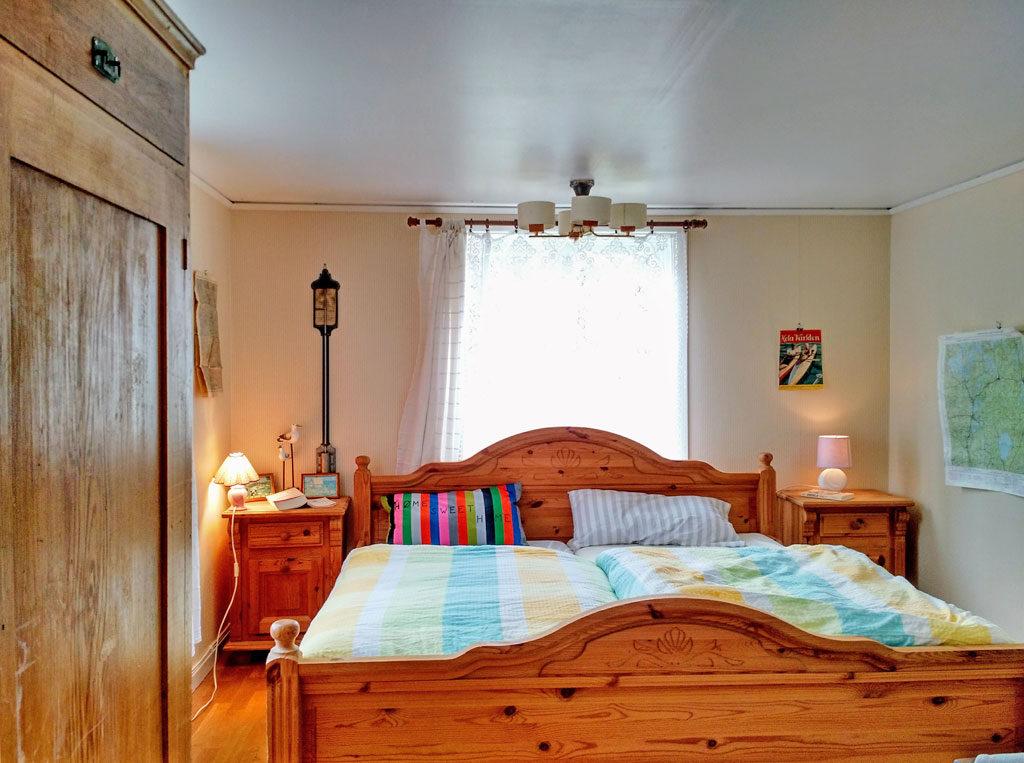 kleines Schlafzimmer (unten)